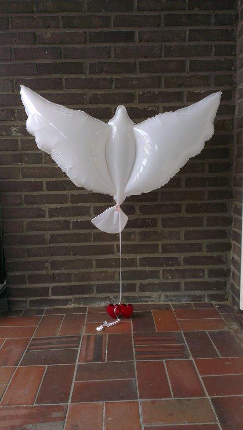 Witte duiven Heliumballon foto