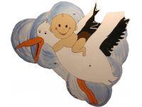 Ooievaar met baby op de rug
