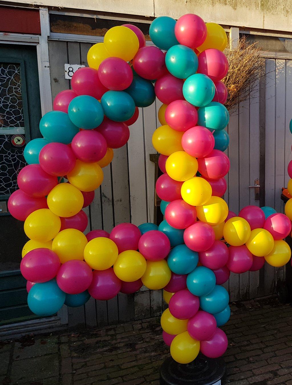 Ballonnen getal 4 foto
